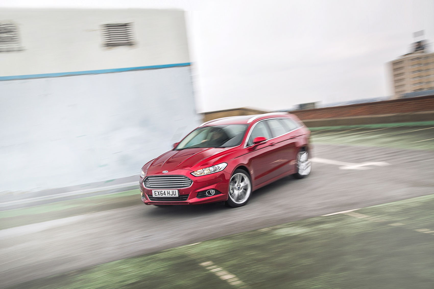 Mondeo a big car these days at 4.9m long Ford ... & Ford Mondeo Estate 2.0 TDCI Titanium (2016) long-term test review ... markmcfarlin.com