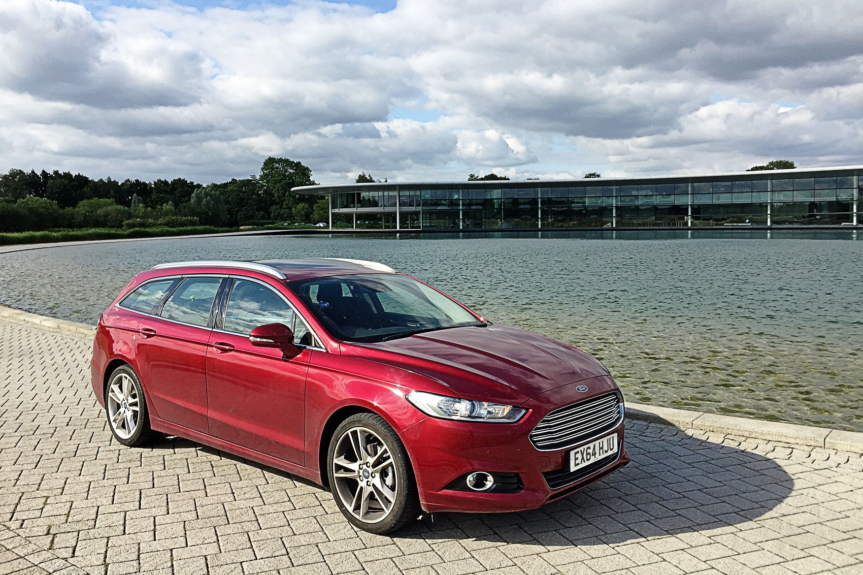 ford mondeo estate 2 0 tdci titanium 2016 long term test review by car magazine. Black Bedroom Furniture Sets. Home Design Ideas