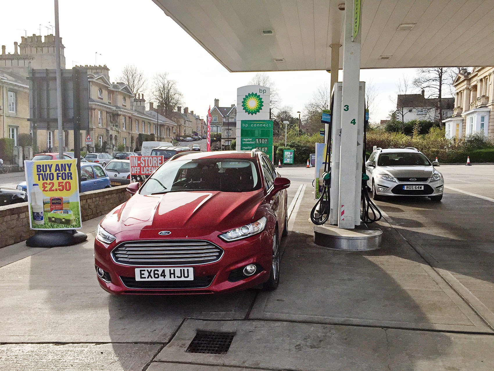 Ford Mondeo Estate 20 Tdci Titanium 2016 Long Term Test Review 1996 Starter Motor Schematic Diagram Mondeos Old And New Fill Up Fuel Appetite Variable Chris Chilton Cars Cabin Of Our