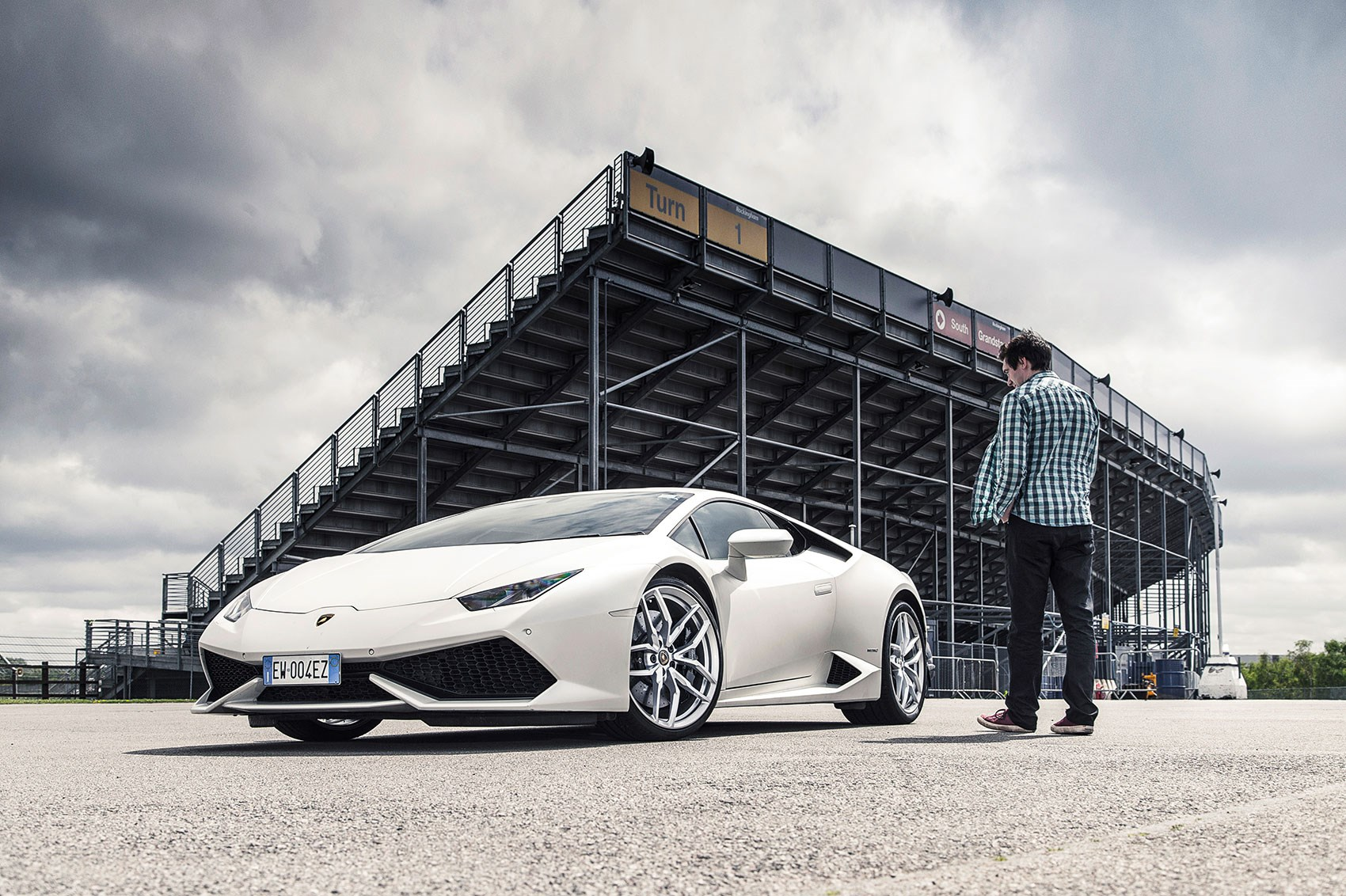 Lamborghini Huracan Lp610 4 Long Term Test Review 2015