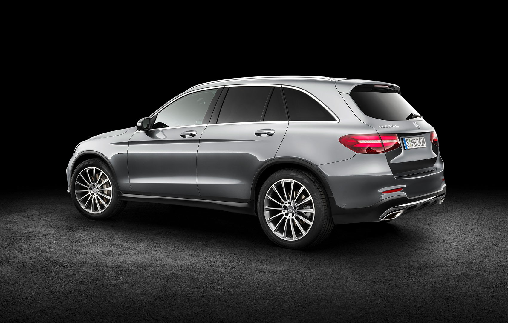mercedes glc 2015 in pictures merc 39 s glk successor finally comes to uk by car magazine. Black Bedroom Furniture Sets. Home Design Ideas