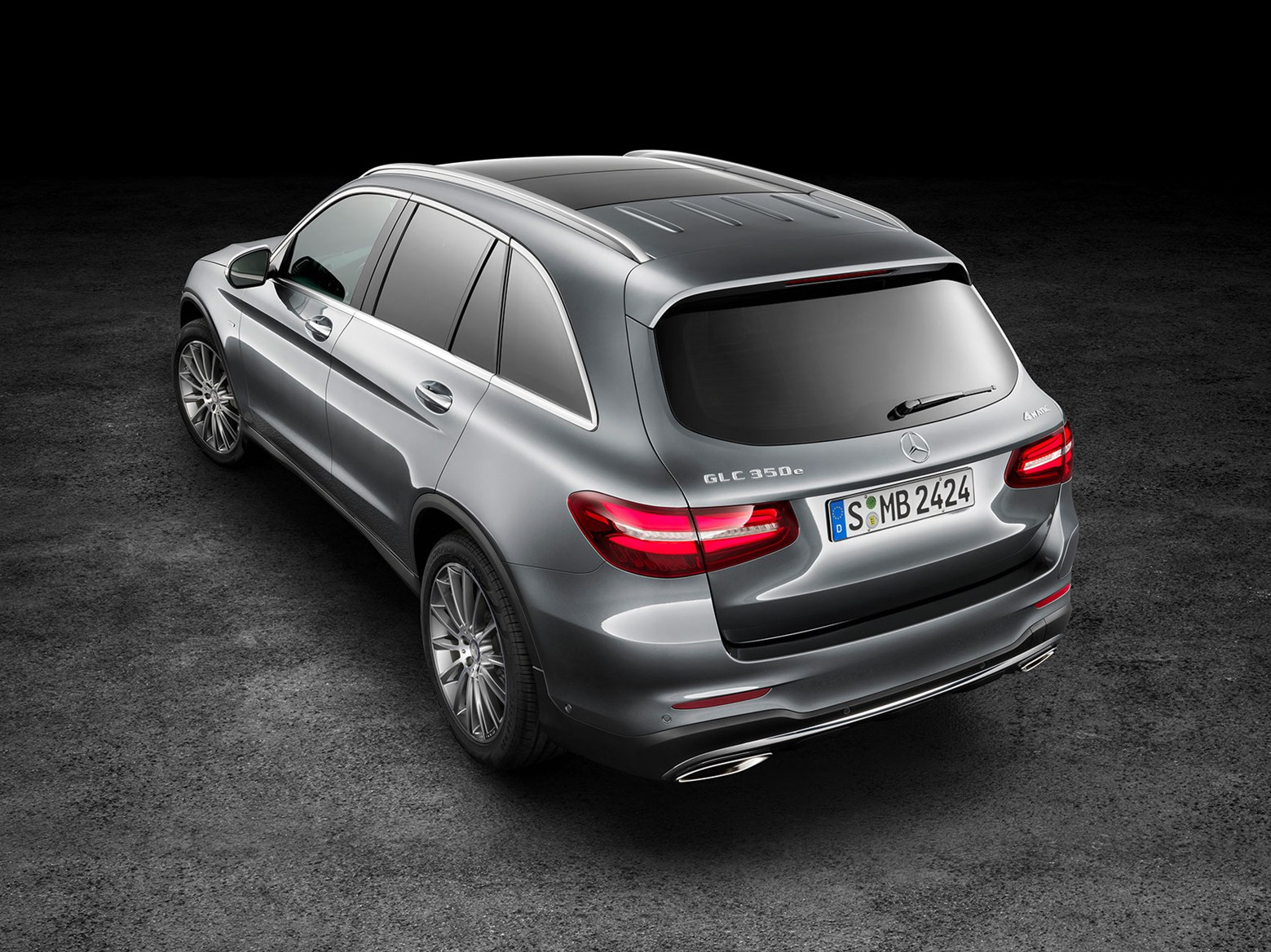 Mercedes glc 2015 in pictures merc 39 s glk successor for Mercedes benz glc 400