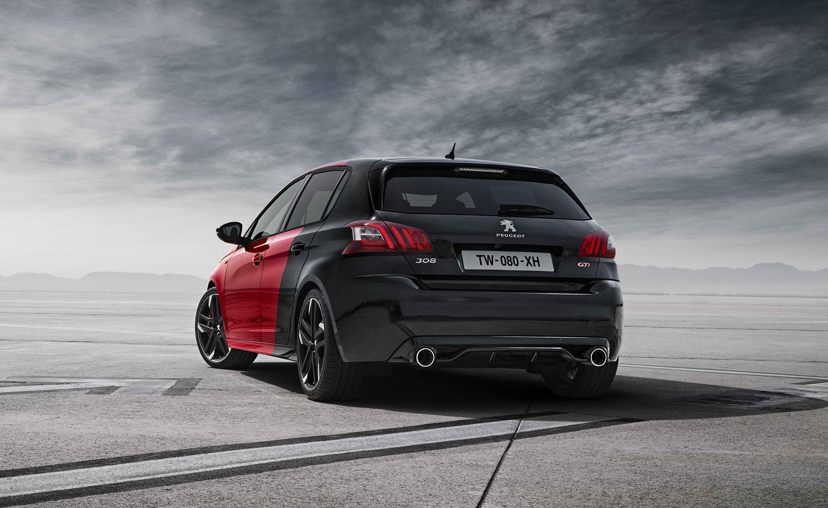 peugeot 308 gti 2015 the french go golf bashing by car magazine. Black Bedroom Furniture Sets. Home Design Ideas