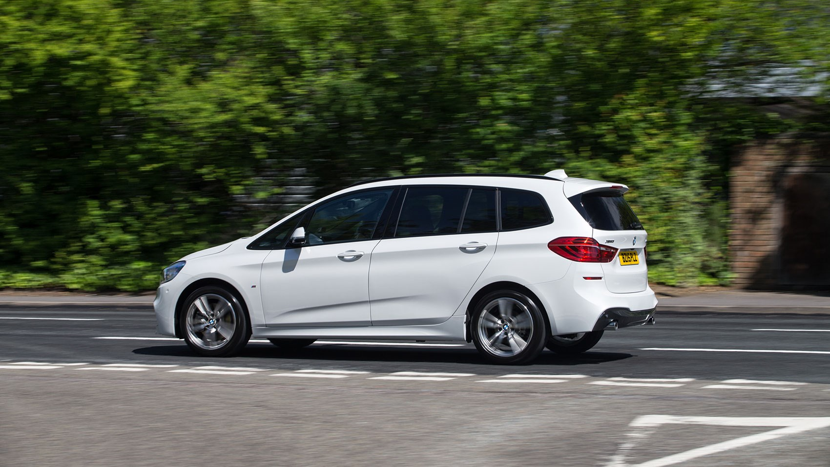 bmw 2 series gran tourer 220d xdrive m sport 2015 review by car magazine. Black Bedroom Furniture Sets. Home Design Ideas