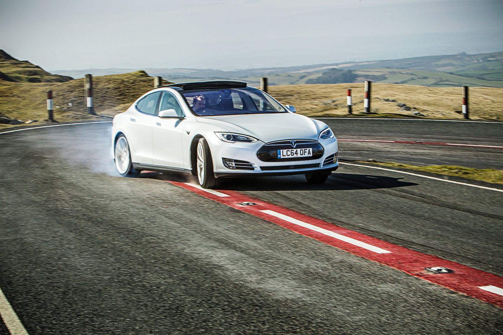 Tesla Model S Vs Bmw M5 Vs Porsche Panamera Triple Test