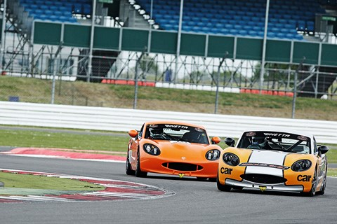 CAR's Ginetta G40 GRDC battling for the lead at Silverstone
