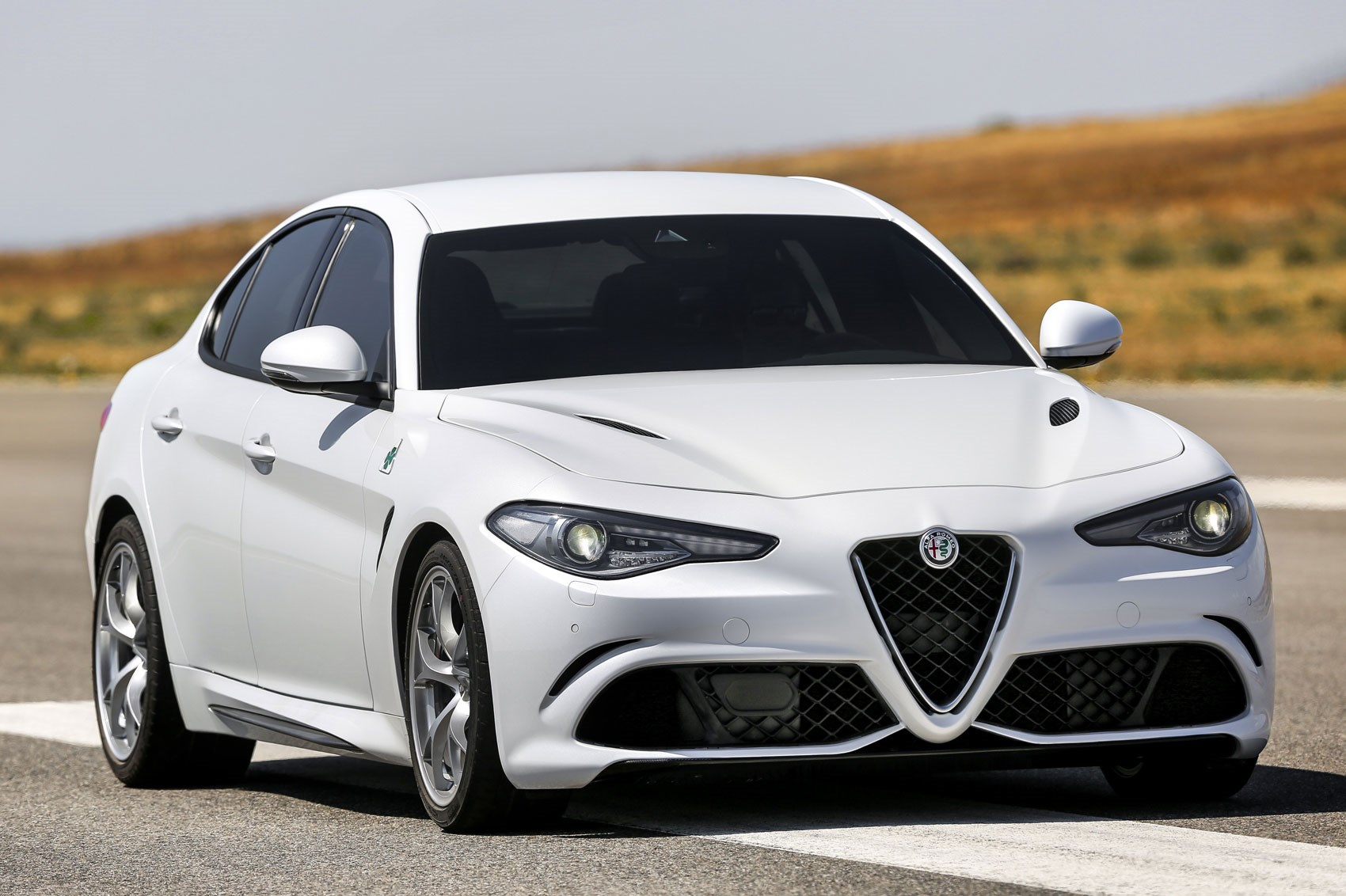 Alfa Romeo Giulia 2016 In Pictures And On Video It S The New 159