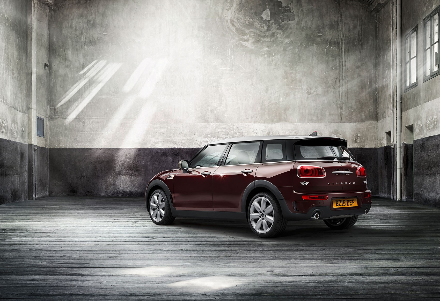 mini clubman 2015 biggest mini yet keeps barn doors. Black Bedroom Furniture Sets. Home Design Ideas