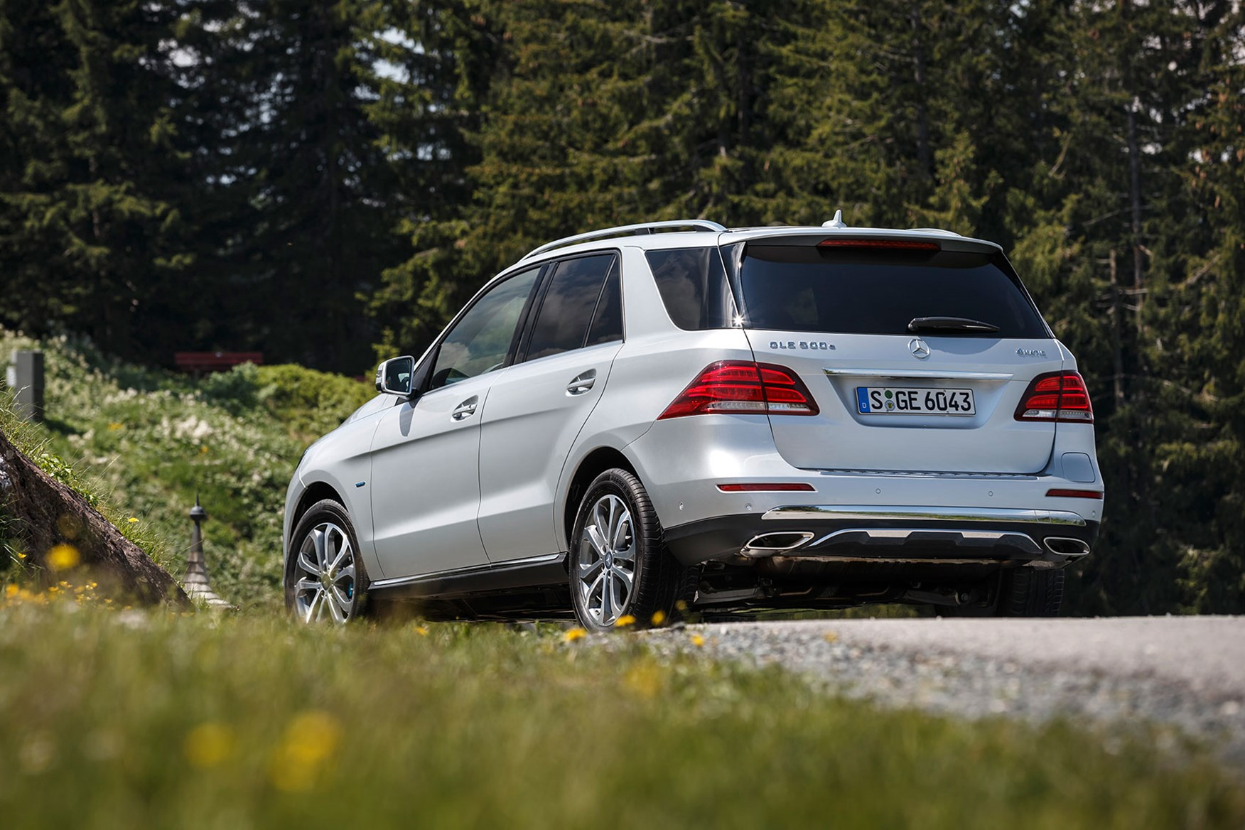 Mercedes Gle E on How To Charge Car Batteries