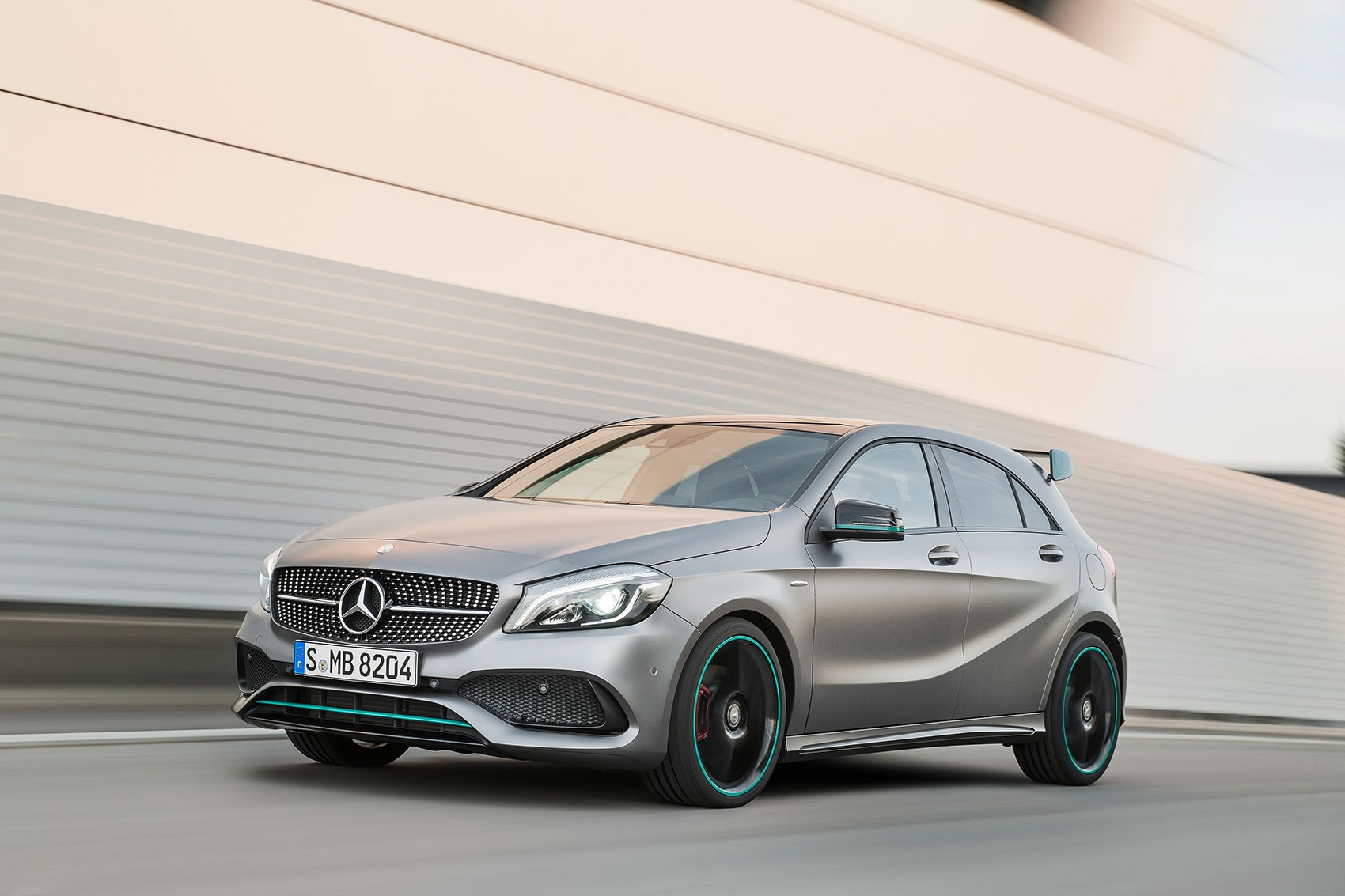 mercedes a45 amg muscles up to 381bhp in 2016 a class. Black Bedroom Furniture Sets. Home Design Ideas
