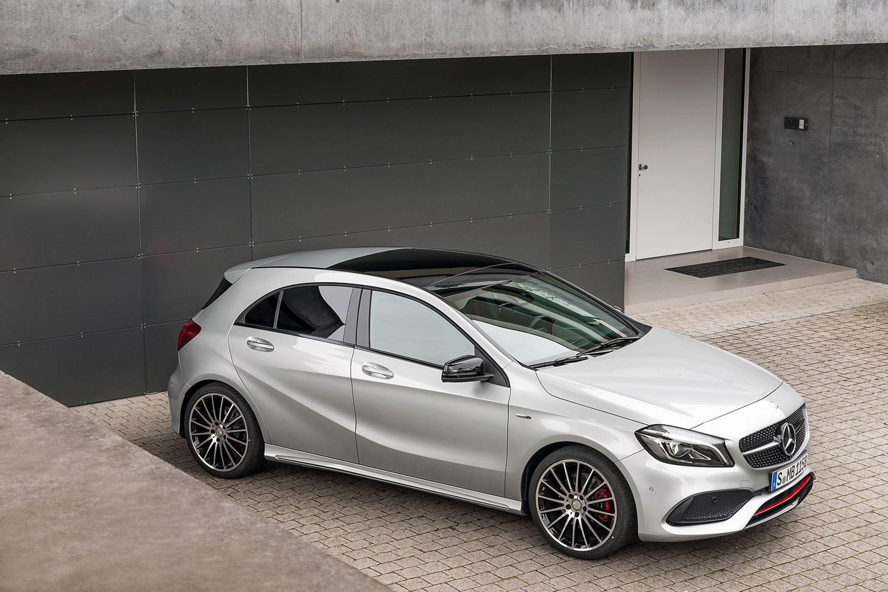 Mercedes A45 Amg Muscles Up To 381bhp In 2016 A Class Facelift Car