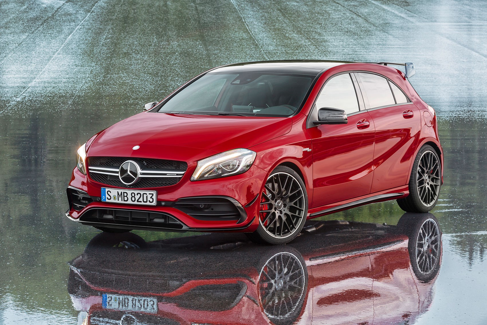 Mercedes A45 AMG muscles up to 381bhp in 2016 A-class