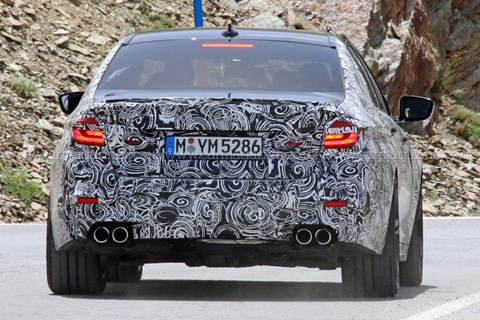 BMW M5 spy shots