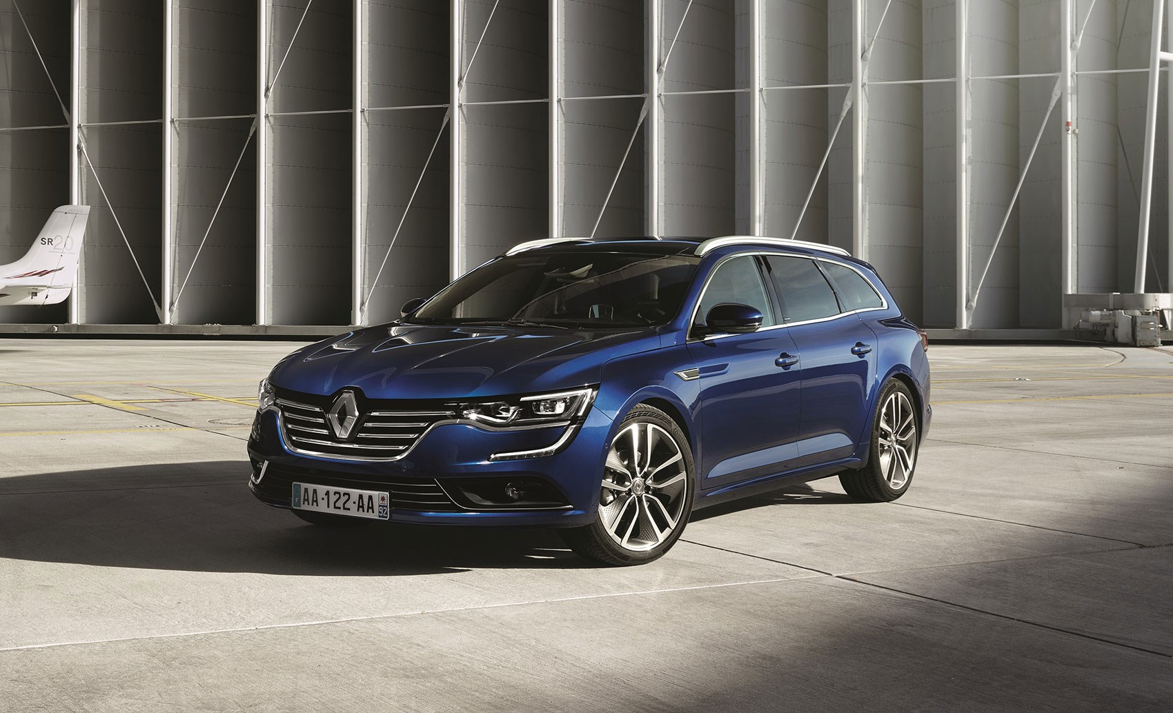 the passat from paris gets practical renault talisman estate unveiled by car magazine. Black Bedroom Furniture Sets. Home Design Ideas