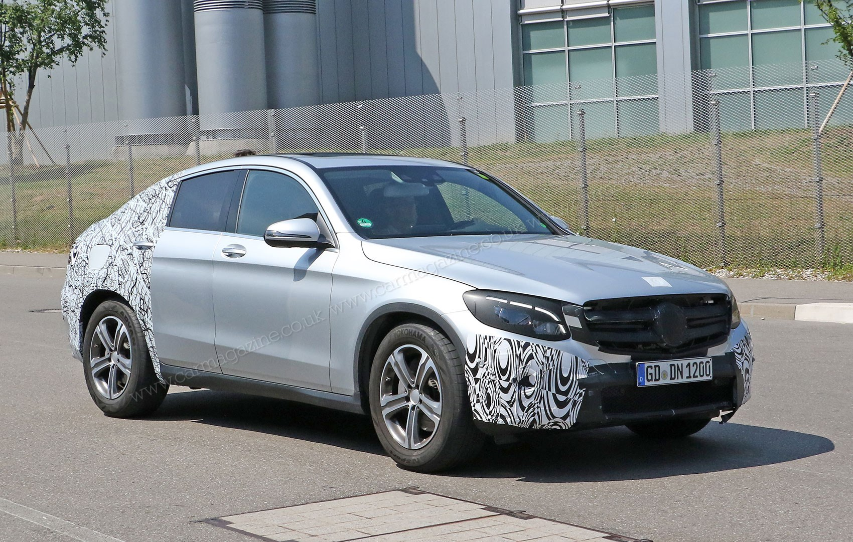 mercedes glc coupe 2016 spied once more merc 39 s going x4 chasing by car magazine. Black Bedroom Furniture Sets. Home Design Ideas