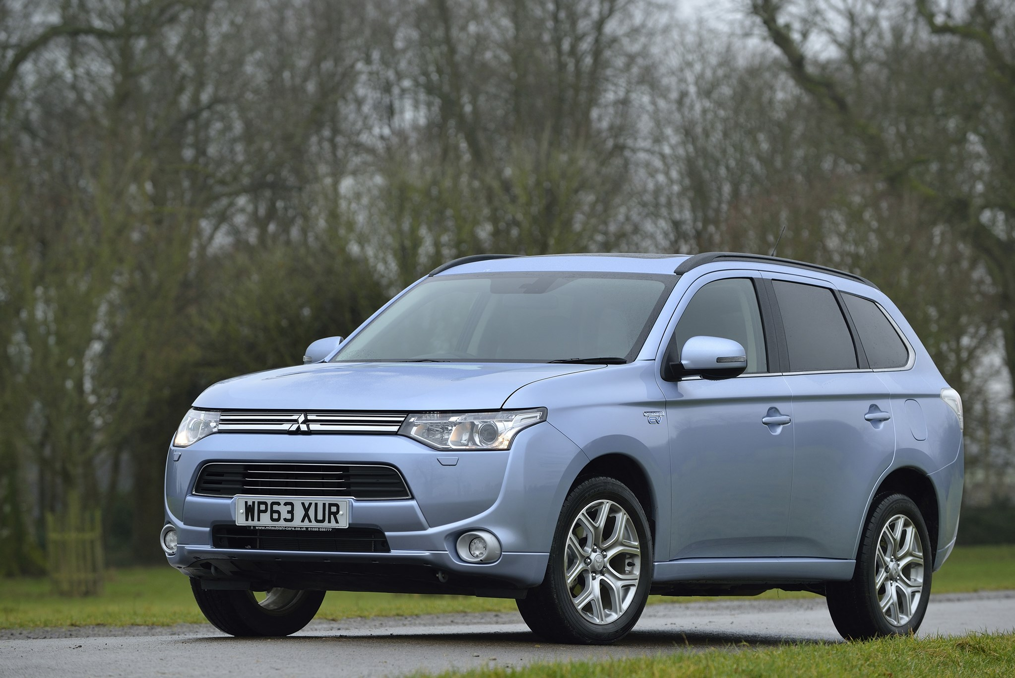 the outlander phev combines a 2 0 litre petrol engine with two electric motors