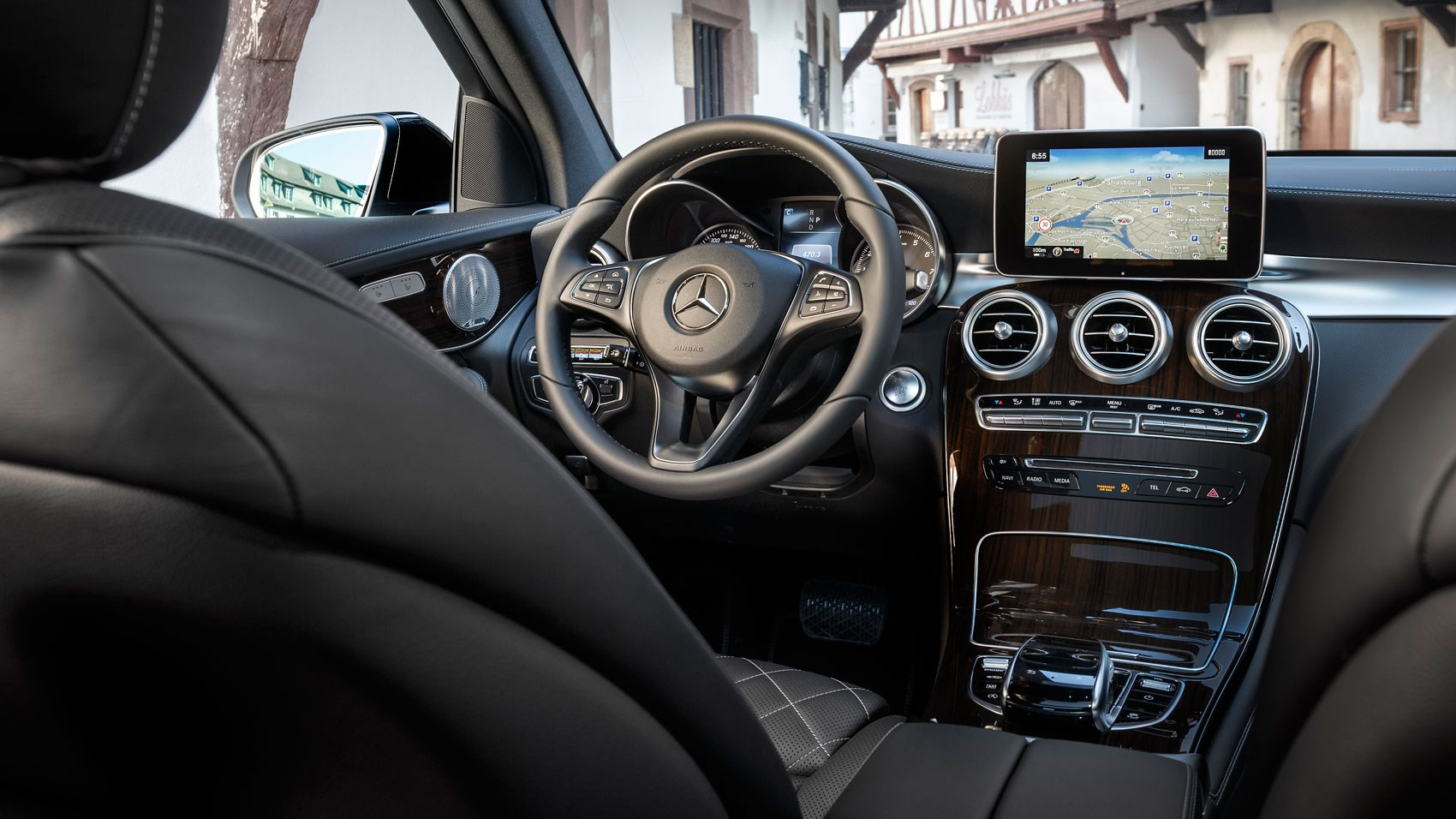mercedes benz glc250d 2015 review by car magazine. Black Bedroom Furniture Sets. Home Design Ideas