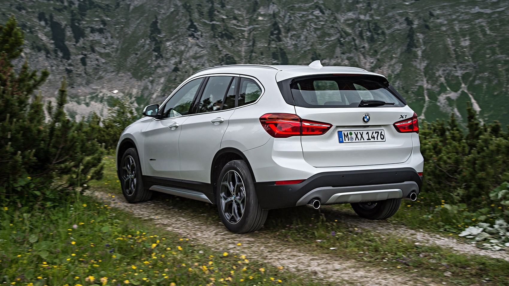 bmw x1 xdrive 25d 2015 review by car magazine. Black Bedroom Furniture Sets. Home Design Ideas