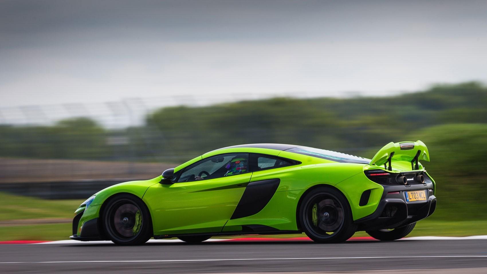 mclaren 675lt (2015) review | car magazine