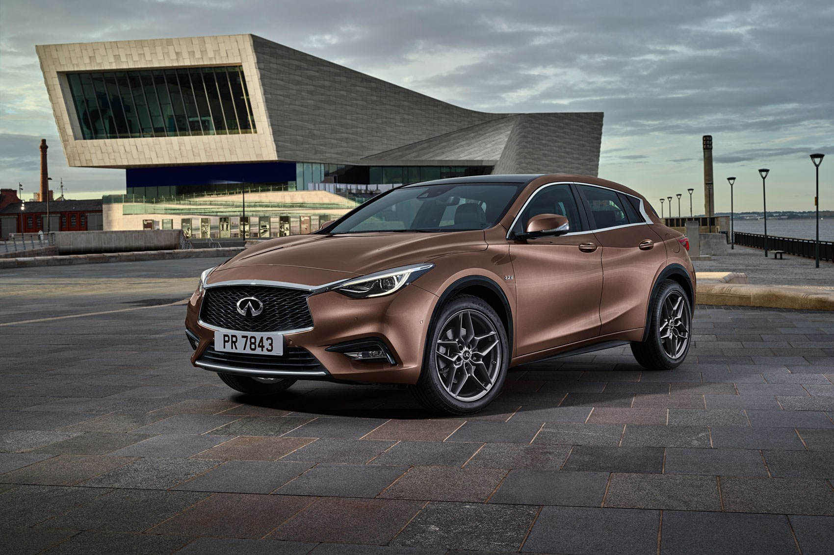 infiniti q30 2016 production car revealed by car magazine. Black Bedroom Furniture Sets. Home Design Ideas