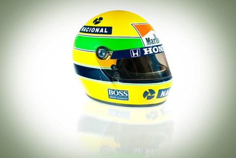 Senna's helmet: the essence of distinctiveness