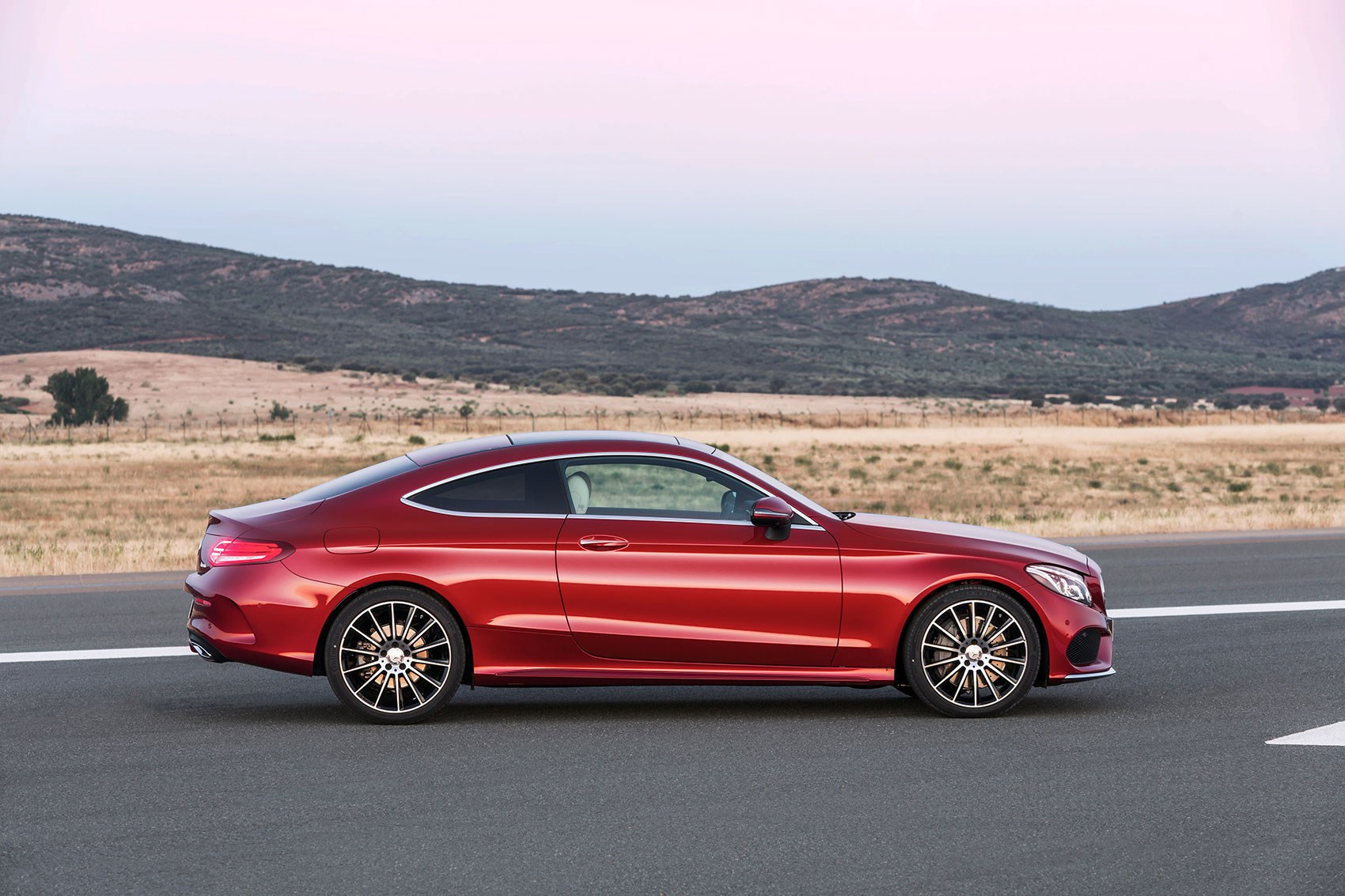 new 2016 mercedes c class coupe takes fashion lessons from. Black Bedroom Furniture Sets. Home Design Ideas