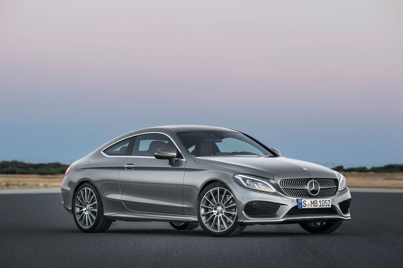 מאוד New 2016 Mercedes C-class Coupe takes fashion lessons from the RG-49