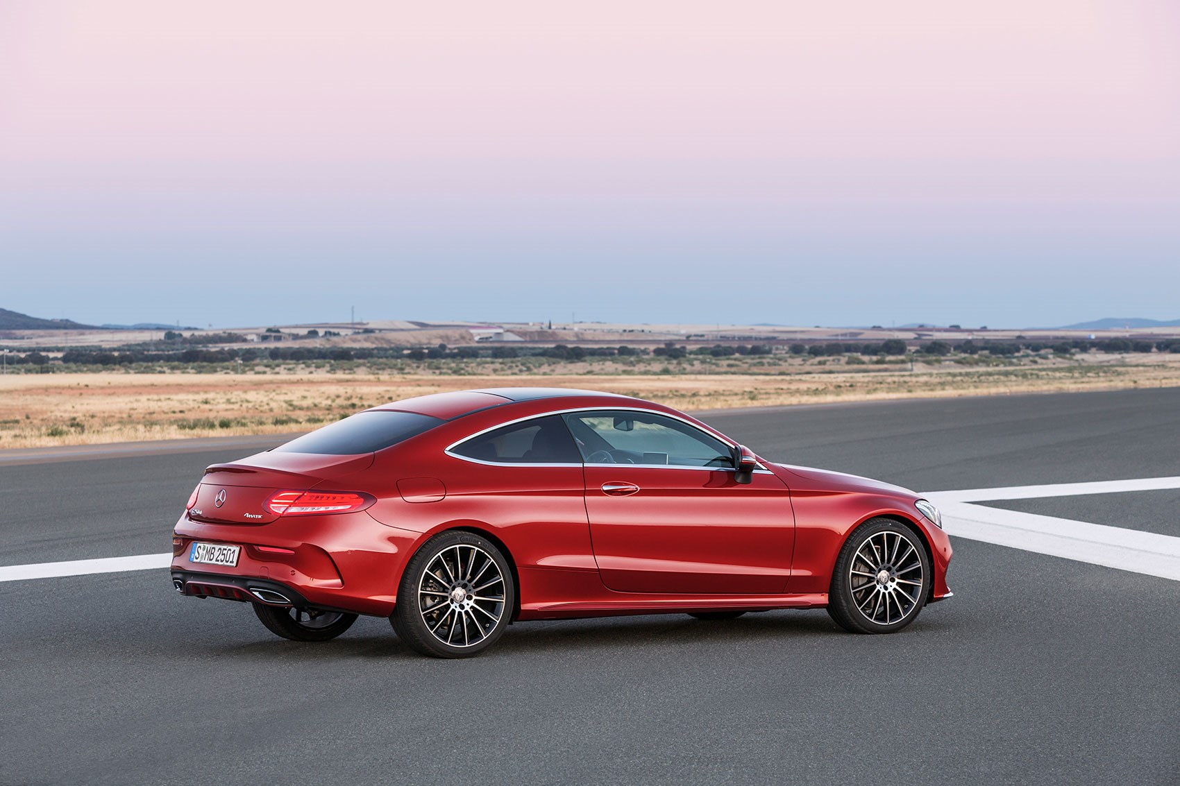 Mercedes Says Its New C Cl Coupe Is Lighter Than Predecessor