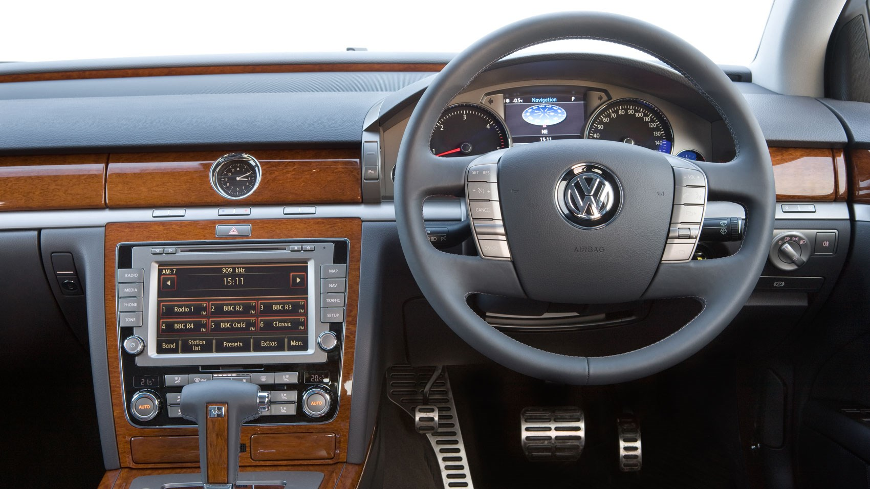 vw phaeton s ace card epic rear legroom veneer and lots of it is the order of the day up front