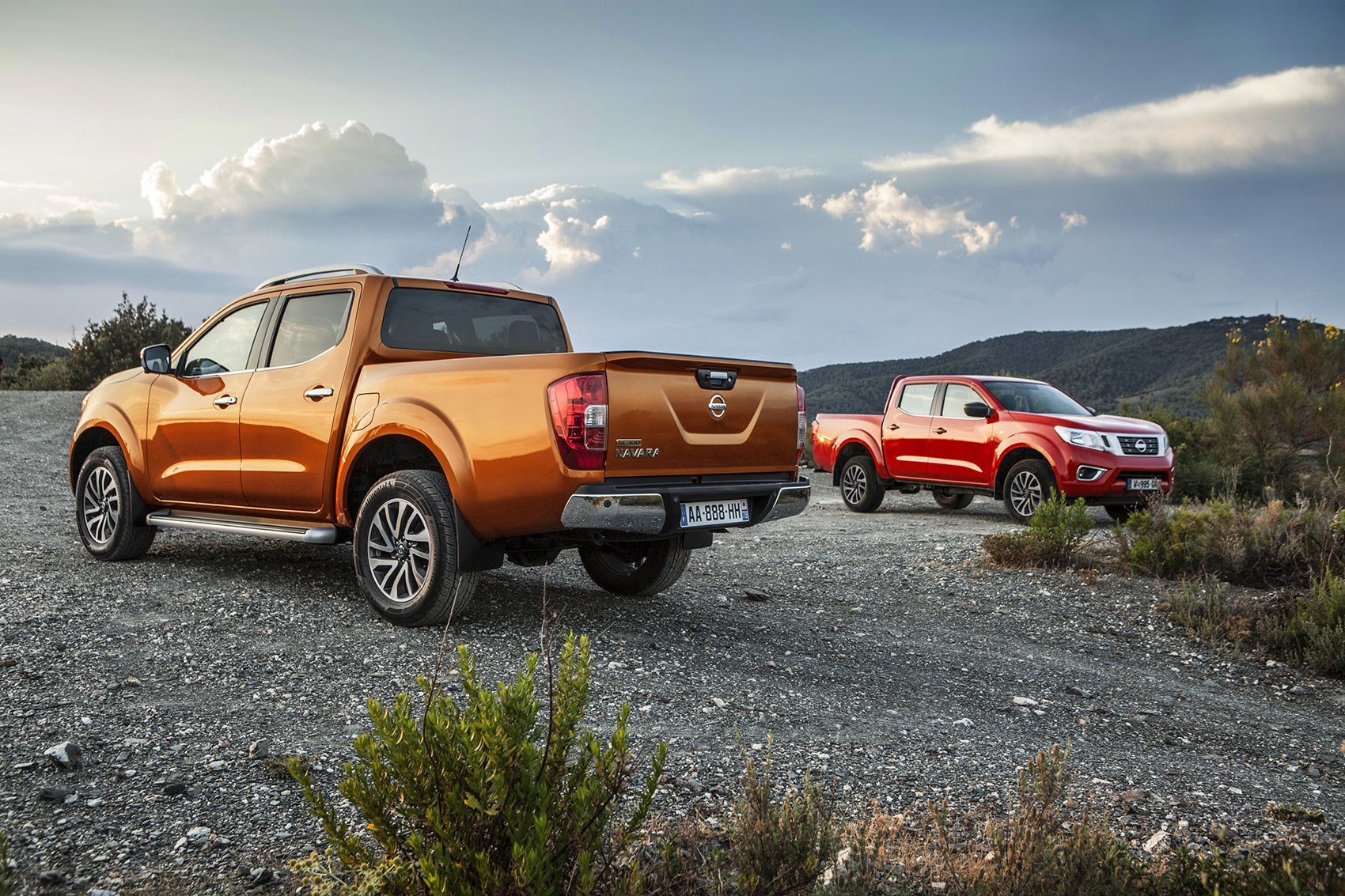 the new nissan np300 navara pick up is here car magazine. Black Bedroom Furniture Sets. Home Design Ideas