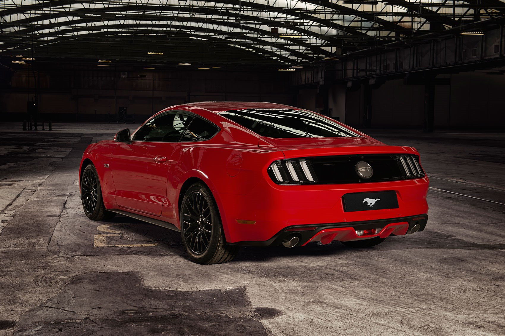 flatrock flat out with right hooker uk ford mustangs by car magazine. Black Bedroom Furniture Sets. Home Design Ideas