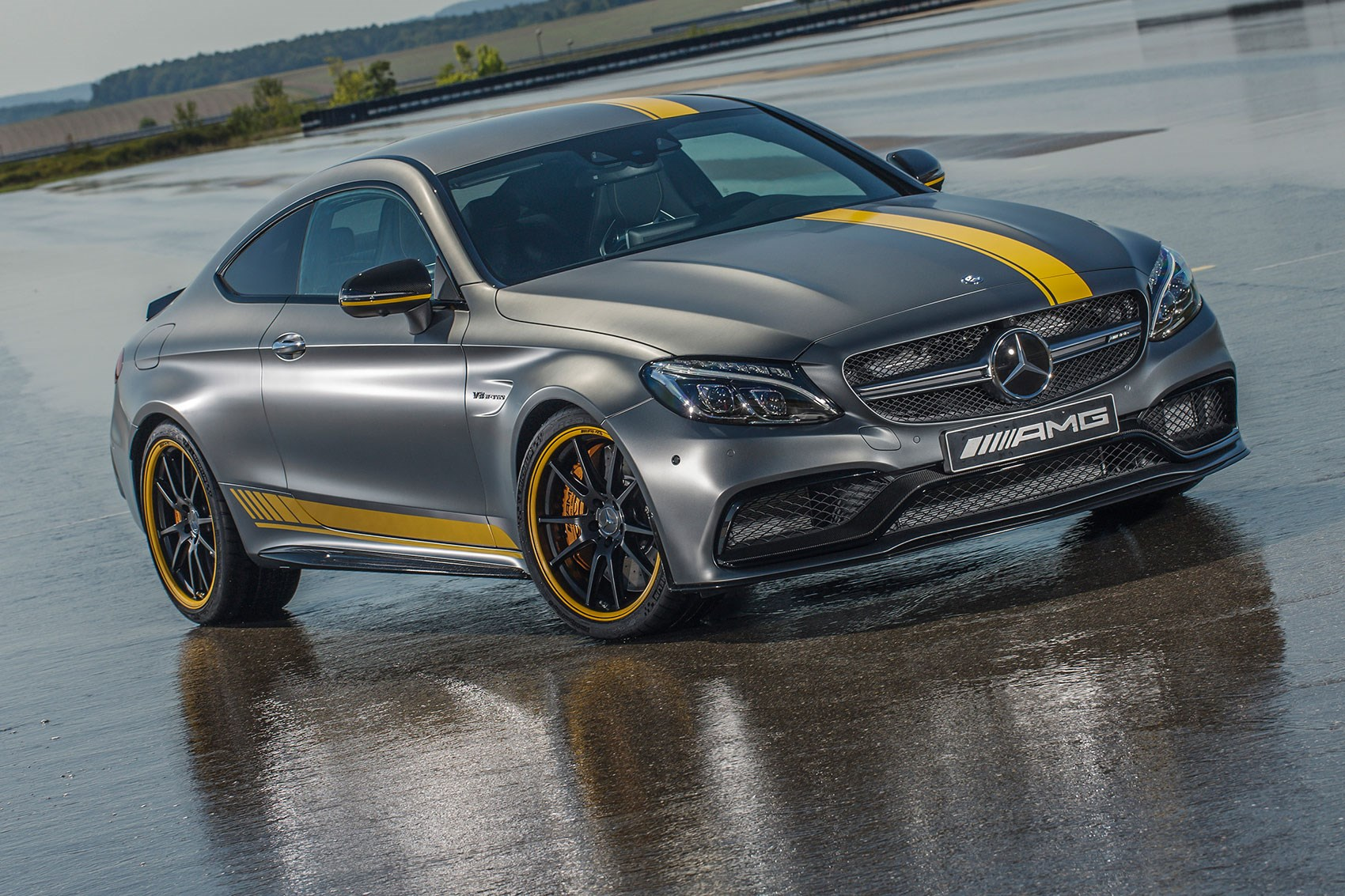 Amg Gets Angry Mercedes 39 2016 Dtm Racer Unveiled By Car