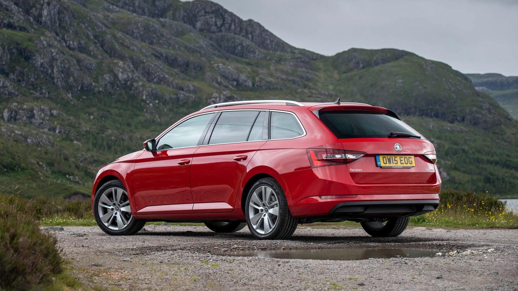 Skoda Superb Estate Se 1 6 Tdi 120ps 2015 Review By Car