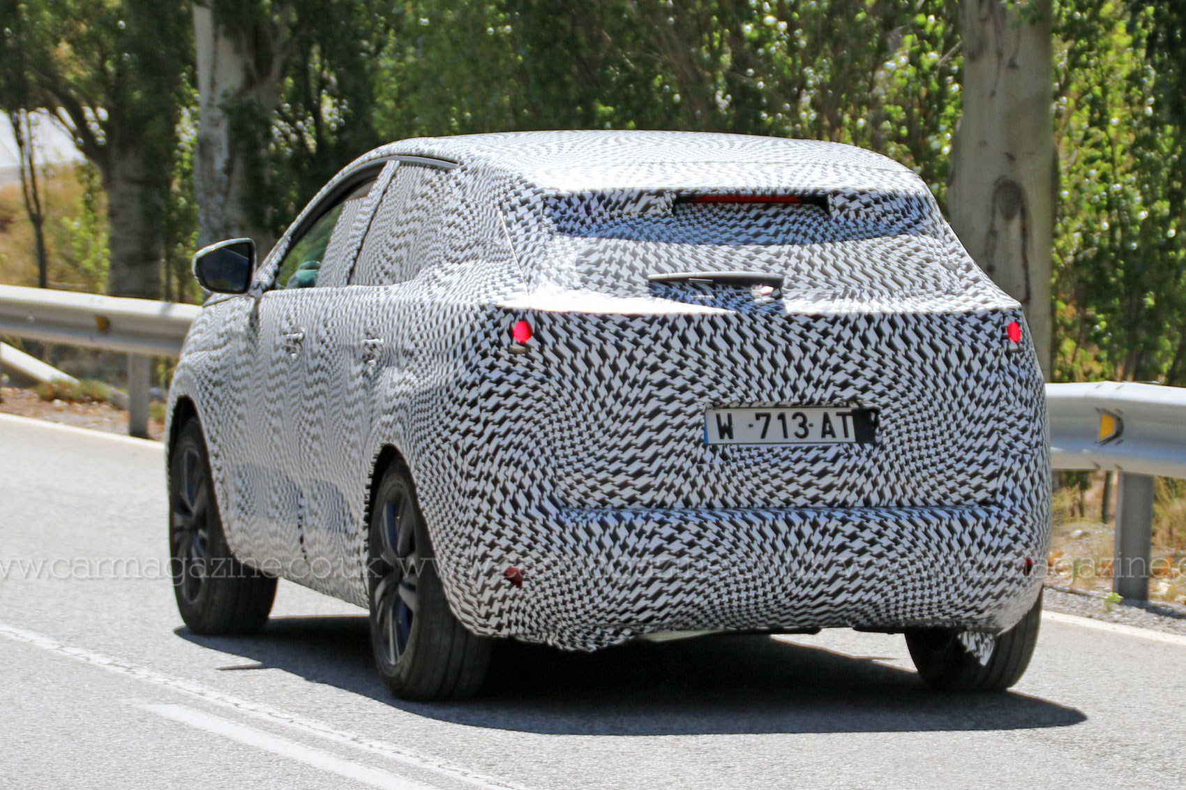 Peugeot 3008 2016 Dizzying Disguise Hides New Suv Look