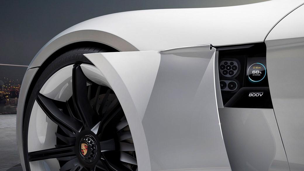 Porsche Mission E: đây là cách bạn sẽ tính phí siêu xe điện