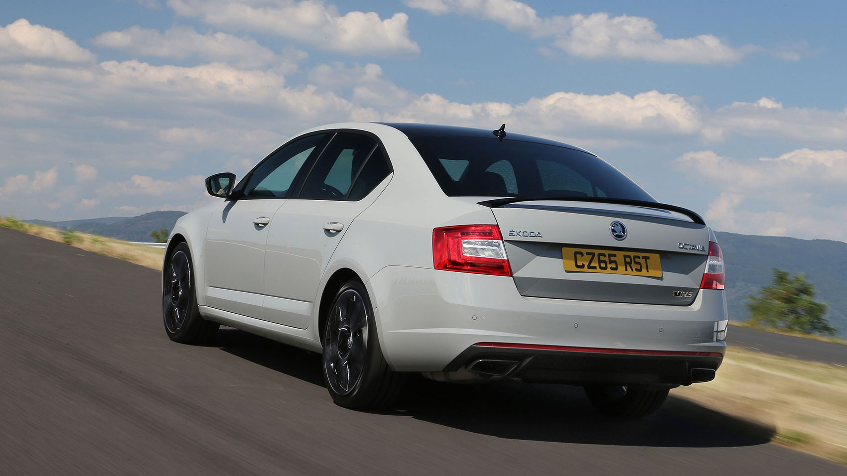 skoda octavia vrs 230 2015 review car magazine. Black Bedroom Furniture Sets. Home Design Ideas