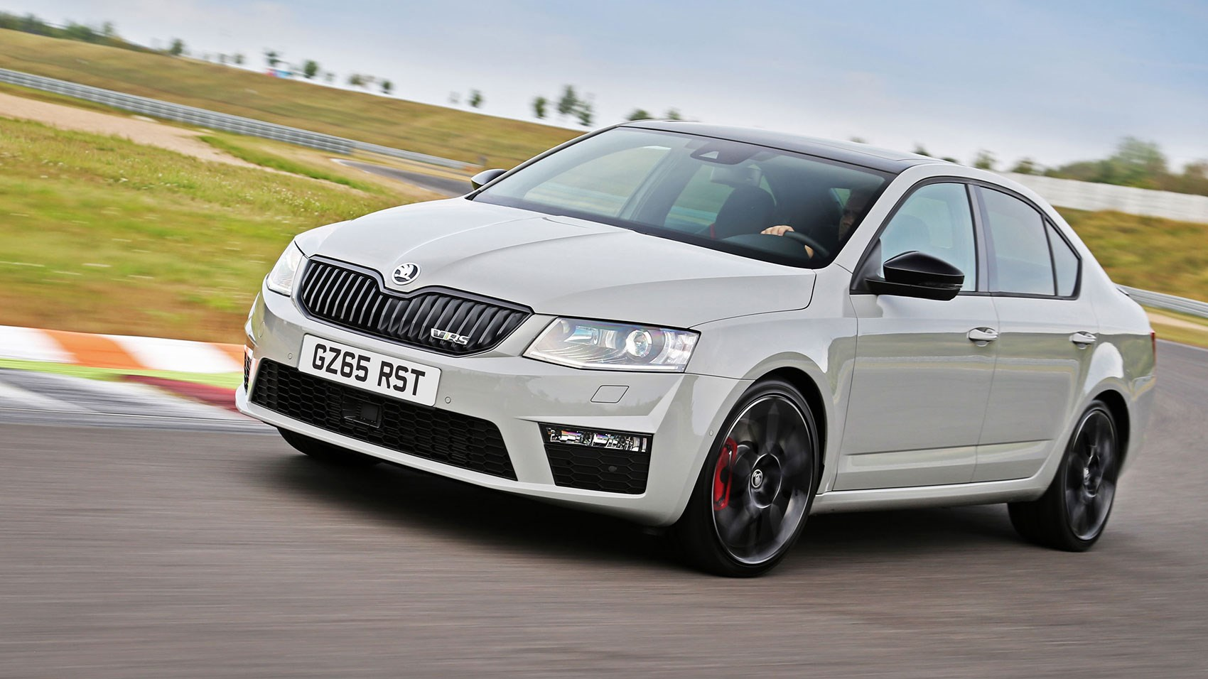 skoda octavia vrs 230 2015 review by car magazine. Black Bedroom Furniture Sets. Home Design Ideas