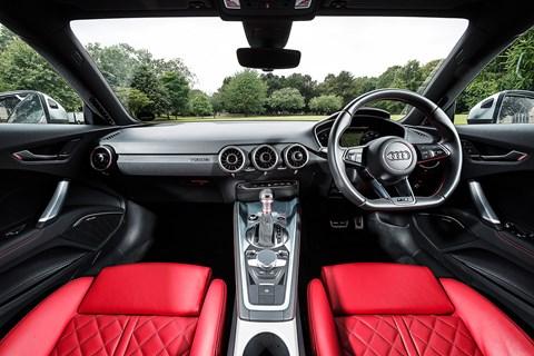 Audi TTS 2015 interior