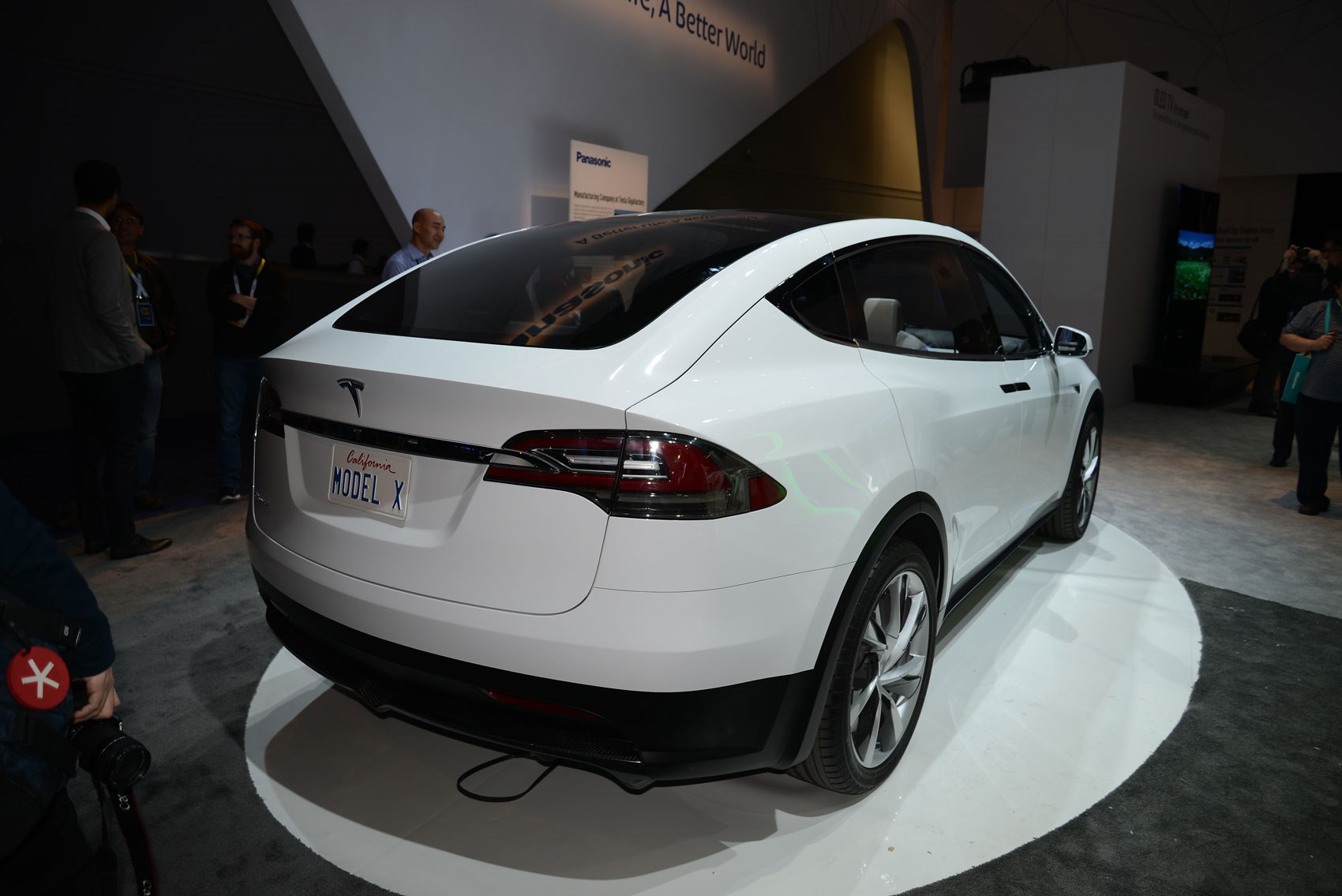 Tesla Model X Crossover The Gullwing Electric Suv Is Here