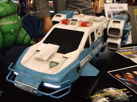 Space Precinct flying police car