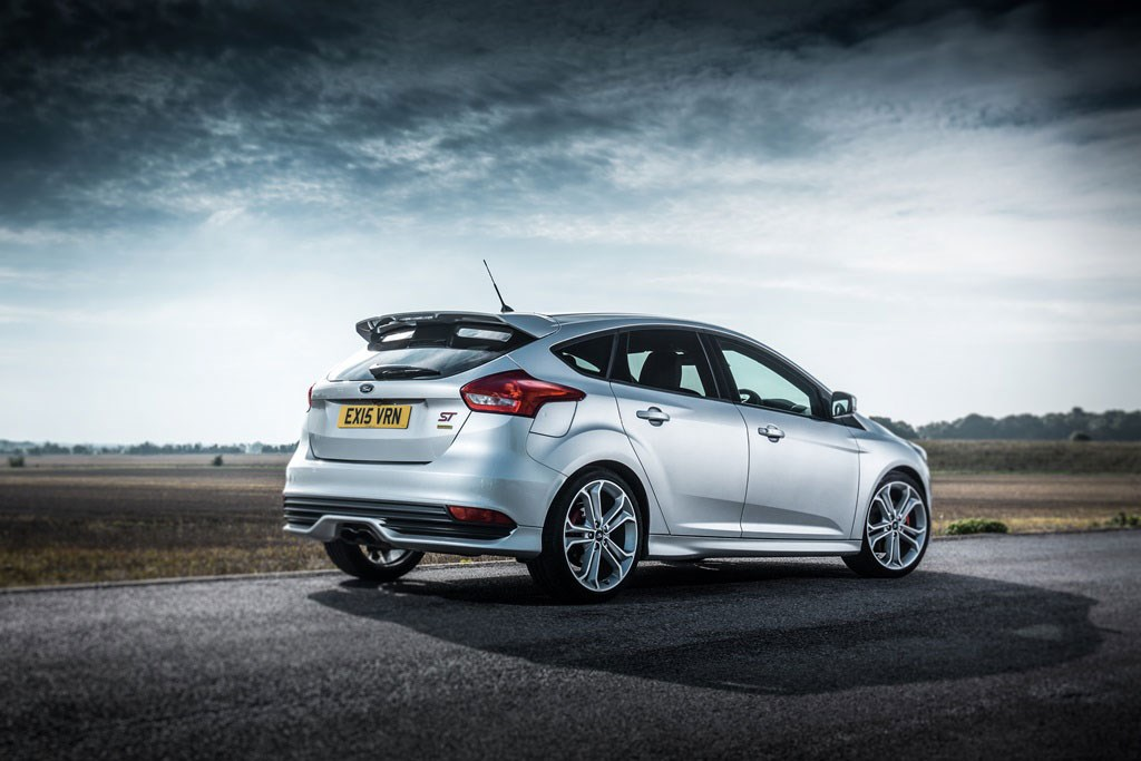 ford focus st 2015 mountune kit confirmed car magazine. Black Bedroom Furniture Sets. Home Design Ideas