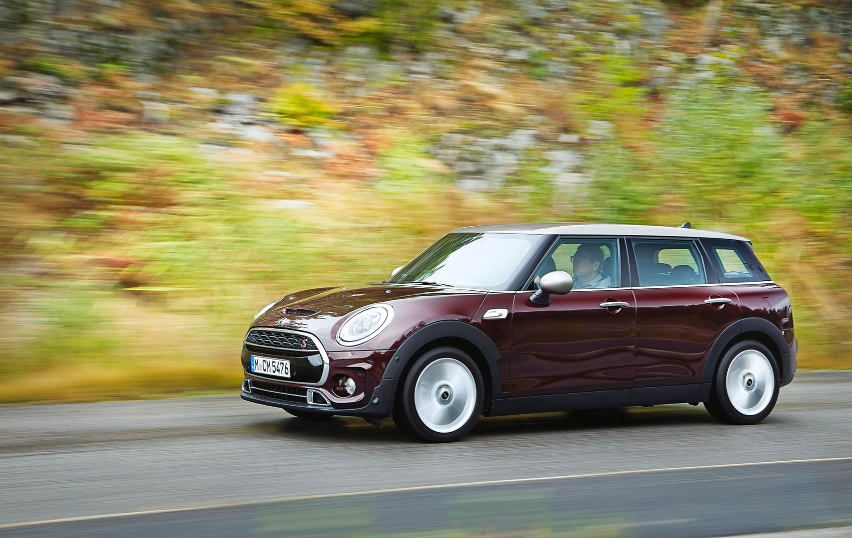 Maxi Mini Gets Serious Mini Clubman Car November 2015 Car Magazine