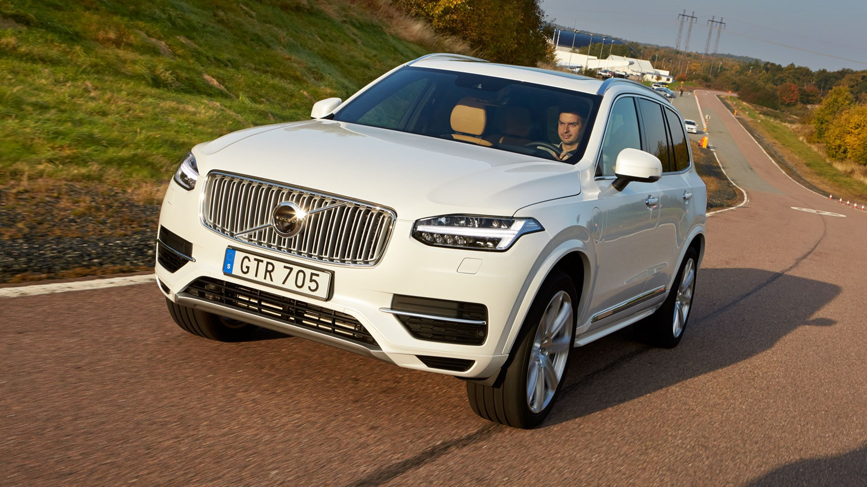 Volvo XC90 T8 Twin Engine (2016) review by CAR Magazine