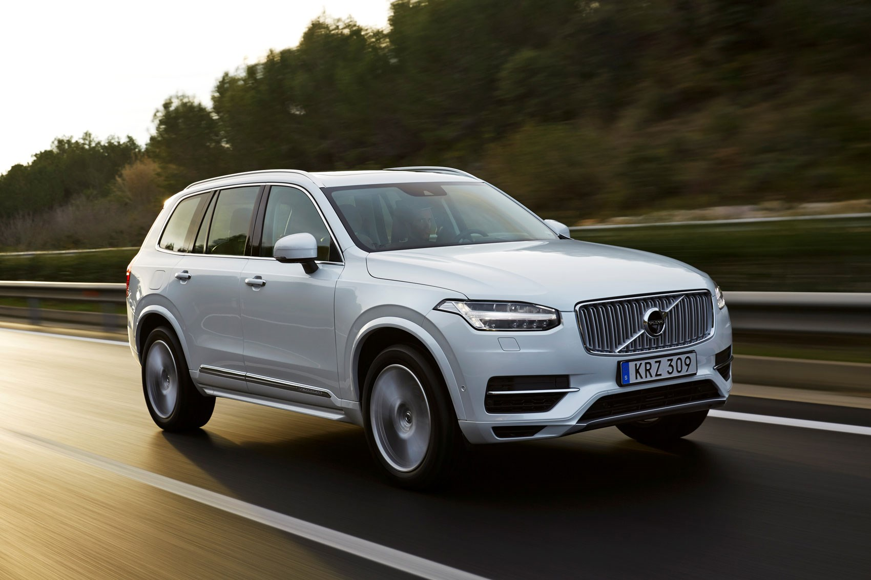 Twin Engine T8 Volvo Xc90 Tops The Range