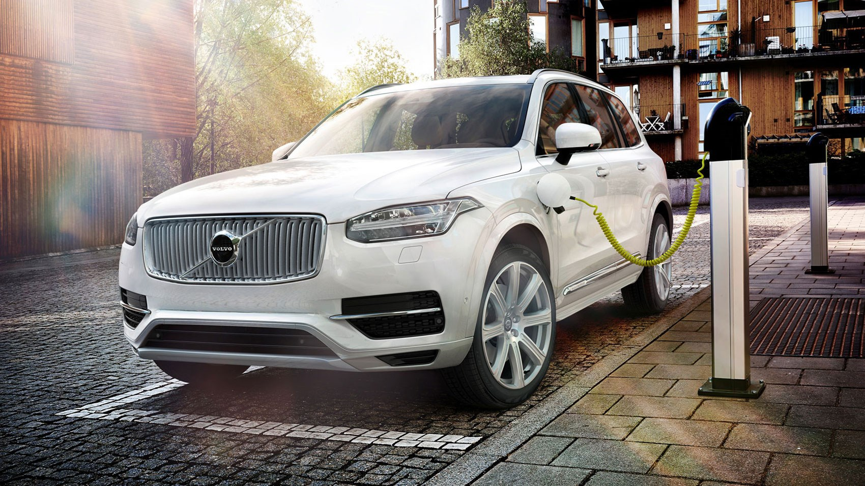 Volvo xc90 t8 twin engine 2016 review car magazine photo gallery publicscrutiny Image collections