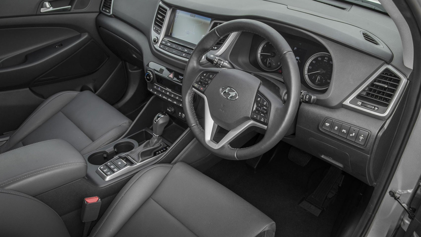 Hyundai Tucson 1.7 CRDi (2015) review by CAR Magazine