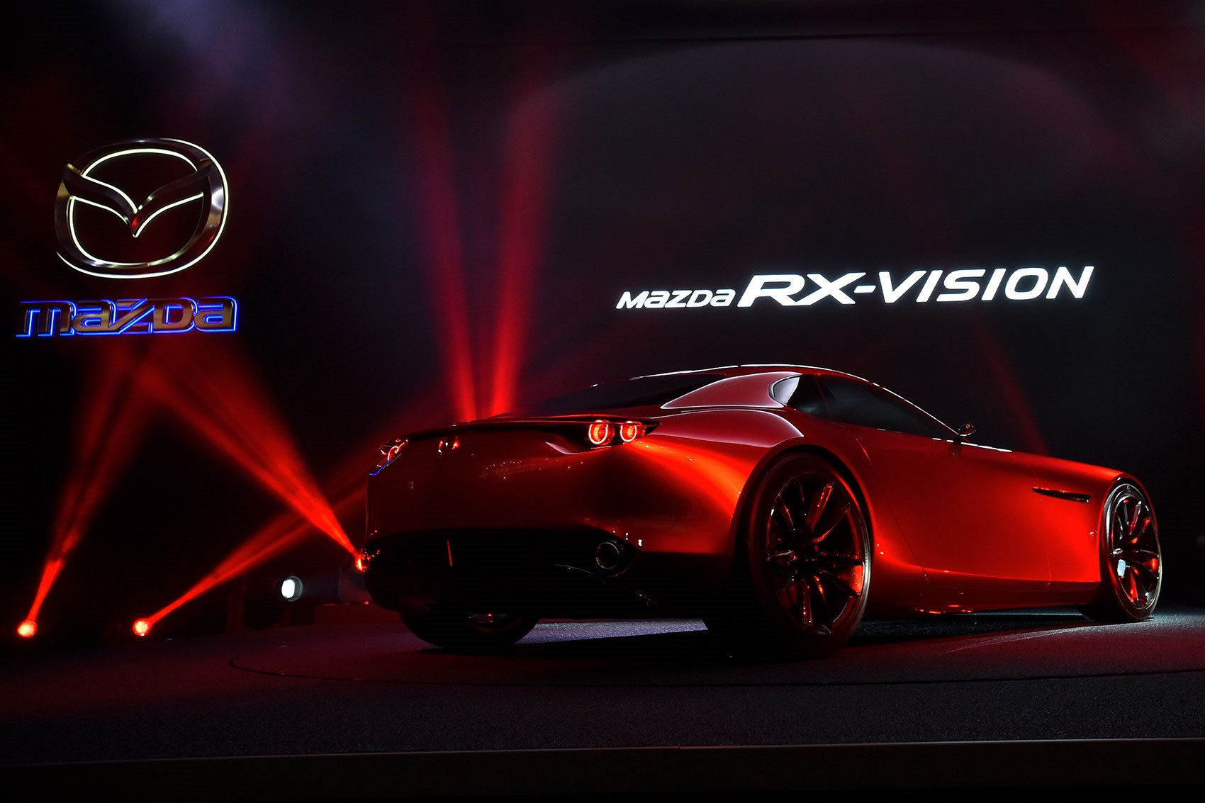 mazda rx vision concept car spins in to the 2015 tokyo motor show car magazine. Black Bedroom Furniture Sets. Home Design Ideas