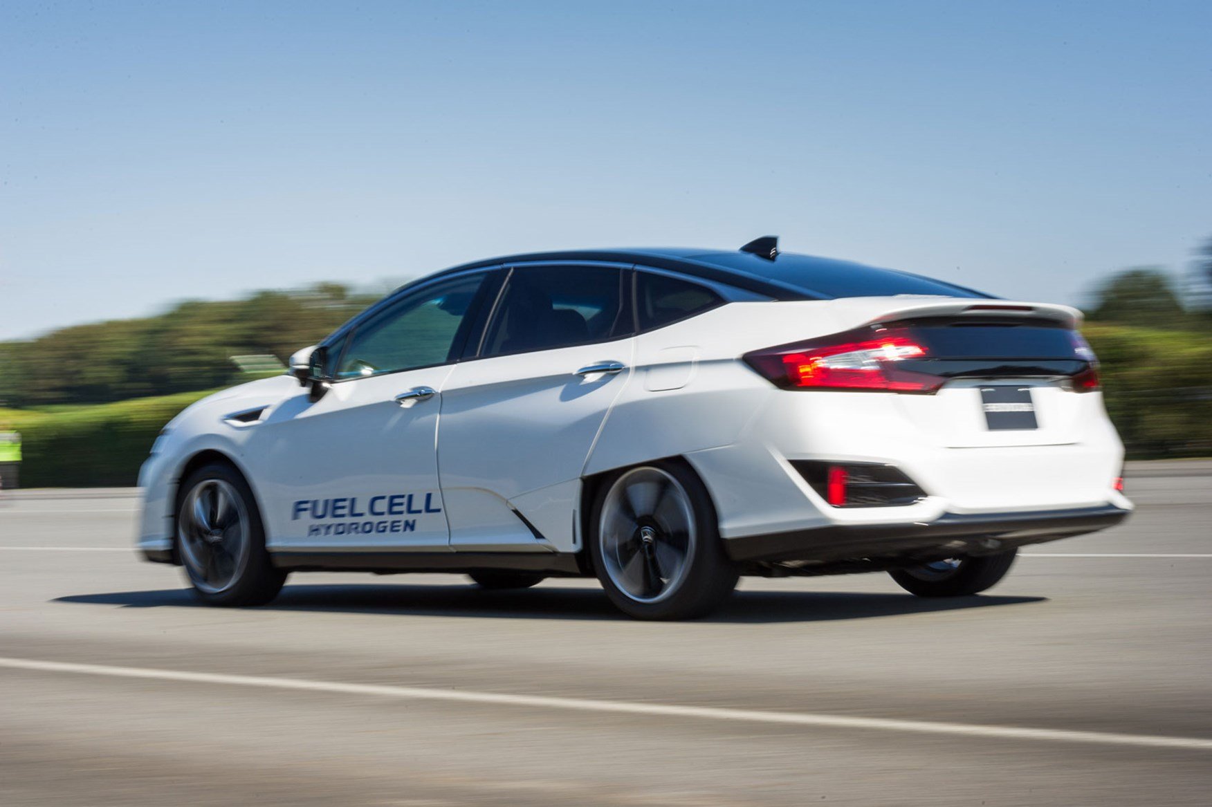 Honda Clarity Fuel Cell 2016 Review By Car Magazine
