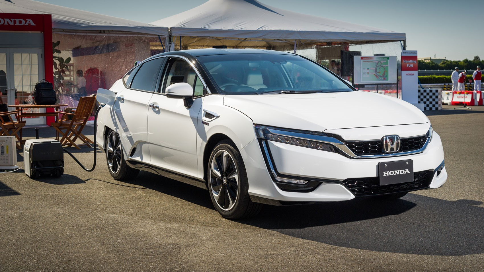 Honda Clarity Fuel Cell (2016) review | CAR Magazine