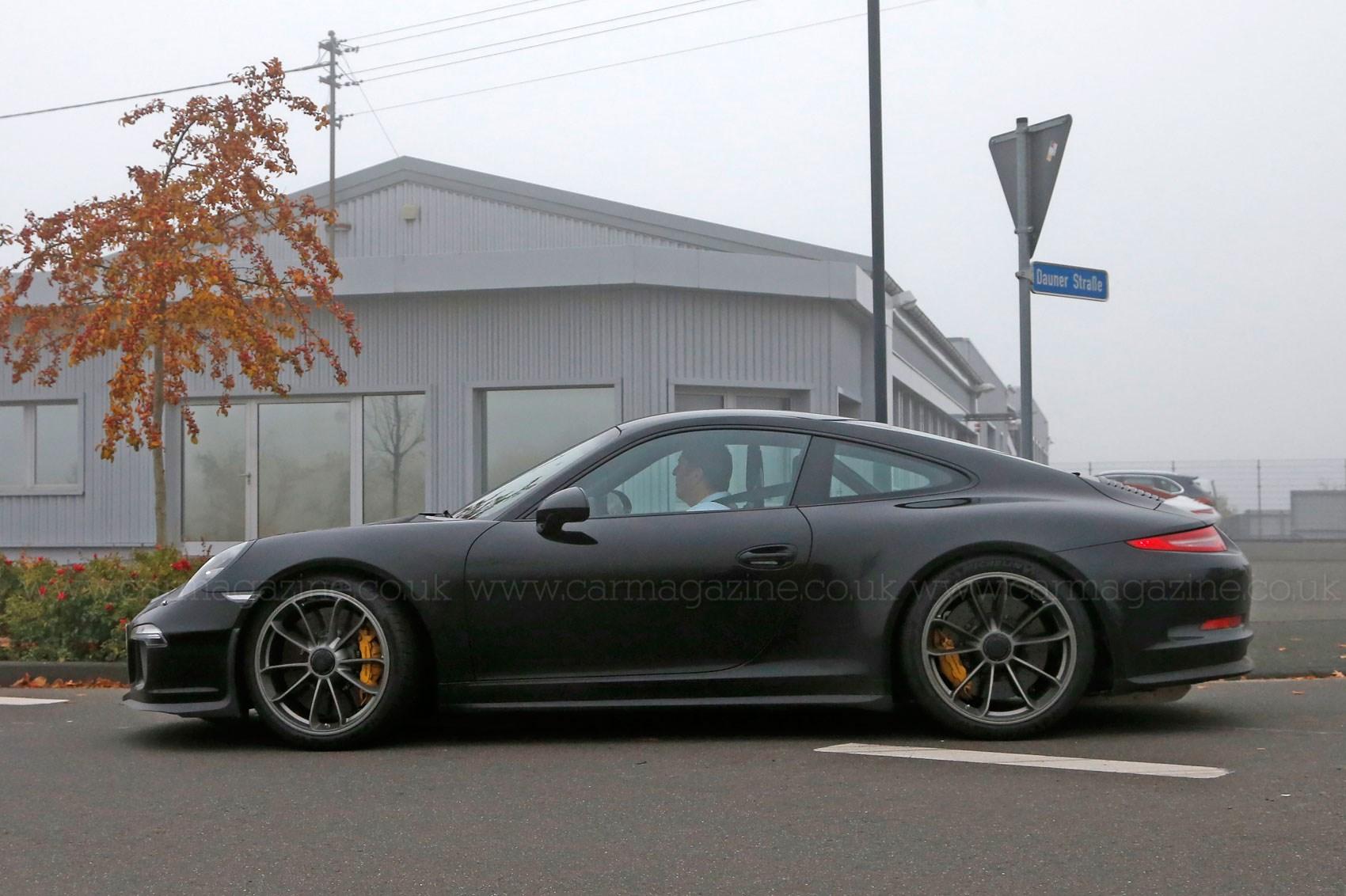 Porsche 911 R (2016): first photos of the back-to-basics 911   CAR